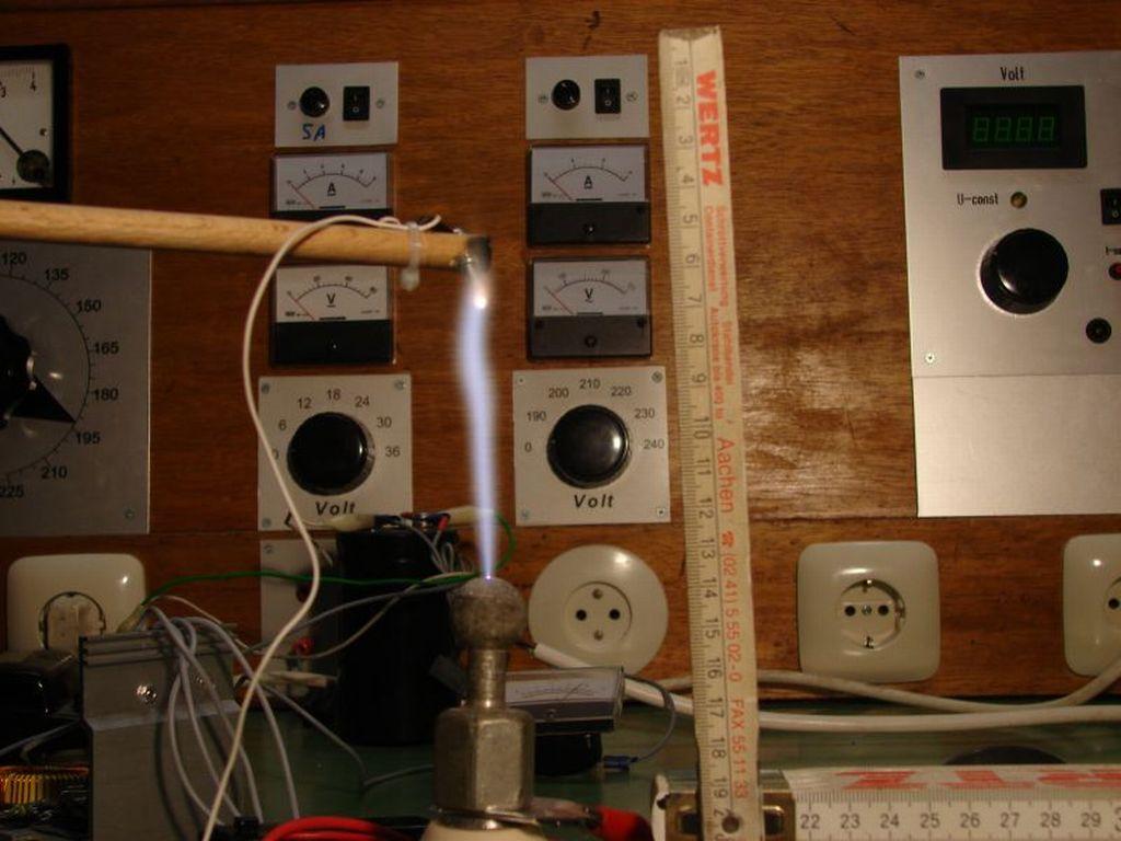 Hochspannung mit Zeilentrafo und ZVS-Schaltung